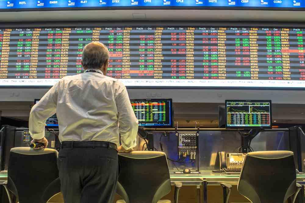 tense-market-traders
