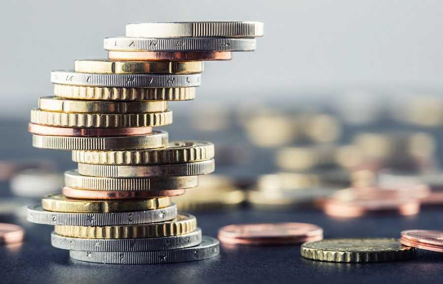 ما هي العملة الرسمية؟ وكيف يتم قياس حجم الأموال؟