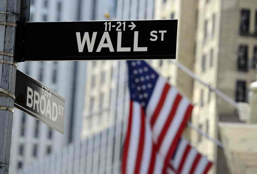 wall-street-in-the-red